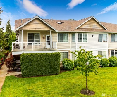Puyallup Condo/Townhouse For Sale: 1002 9th Ave SE #F202