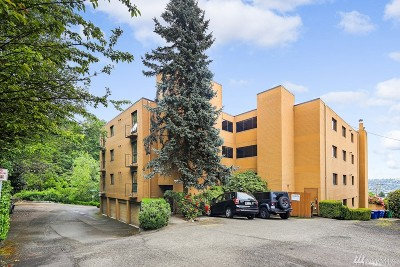 Seattle Condo/Townhouse For Sale: 3710 25th Place W #201