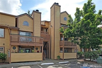 Des Moines Condo/Townhouse For Sale: 22810 30th Ave S #C304
