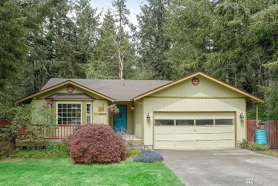 Rainier Single Family Home For Sale: 311 Country Estates Ct W