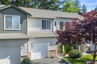 Everett WA Condo/Townhouse For Sale: $299,000