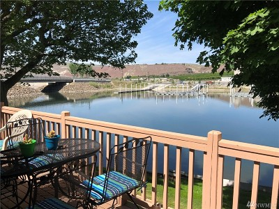 Quincy Condo/Townhouse For Sale: 8903 Crescent Bar Rd NW #Pav 2