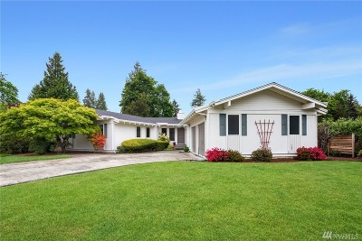 Redmond Single Family Home For Sale: 18218 NE 25th St