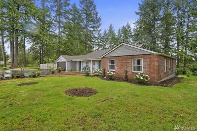 Shelton Single Family Home Pending Inspection: 1121 W Birch St