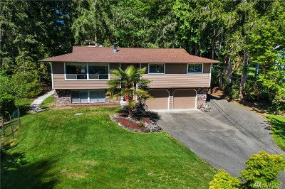 Gig Harbor Single Family Home For Sale: 10410 Fawn Dr NW