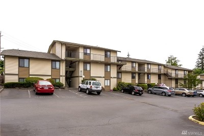 Lynnwood Condo/Townhouse For Sale: 15416 40th Ave W #11