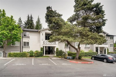 Lynnwood Condo/Townhouse For Sale: 15415 35th Ave W #E203