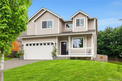 Seattle Single Family Home For Sale: 2237 SW 103rd Place