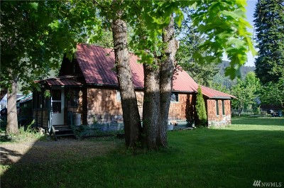 Leavenworth Single Family Home For Sale: 126 West St