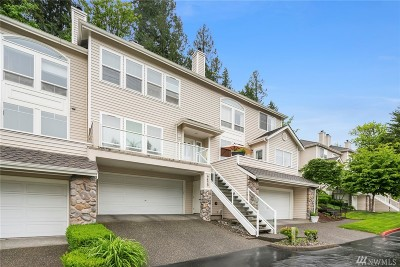 Bothell Condo/Townhouse For Sale: 9820 NE Riverbend Dr #D102