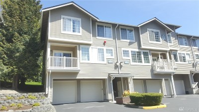 Redmond Condo/Townhouse For Sale: 18632 NE 55th Way