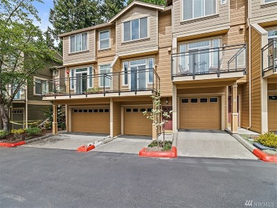 Issaquah Condo/Townhouse For Sale: 23300 SE Black Nugget Rd #F2