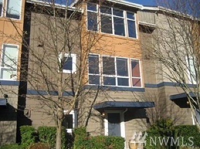Issaquah Single Family Home For Sale: 2478 NE Julep St