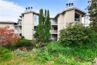 Redmond Condo/Townhouse For Sale: 7579 Old Redmond Rd #17