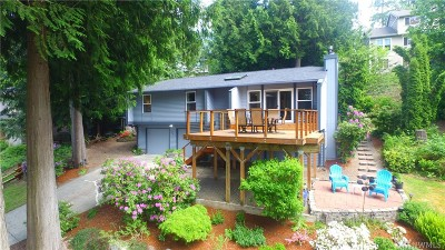 Sammamish Single Family Home For Sale: 444 210th Ave NE