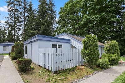 Renton Condo/Townhouse For Sale: 4300 NE Sunset Blvd #L4