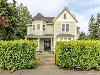 Buckley Single Family Home For Sale: 211 S Naches St
