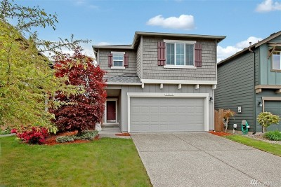 Maple Valley Single Family Home For Sale: 24053 SE 262nd St