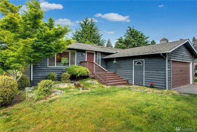Kirkland Single Family Home For Sale: 10620 NE 55th St