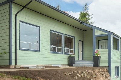 Seattle Single Family Home For Sale: 3205 25th Ave W