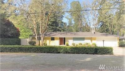 Lakewood Single Family Home For Sale: 12102 Interlaaken Dr SW