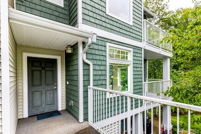 SeaTac Condo/Townhouse For Sale: 21420 40th Place S #G