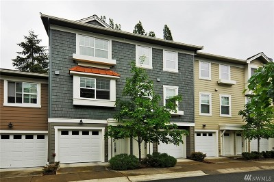 Newcastle Condo/Townhouse For Sale: 7502 129th Place SE #H106