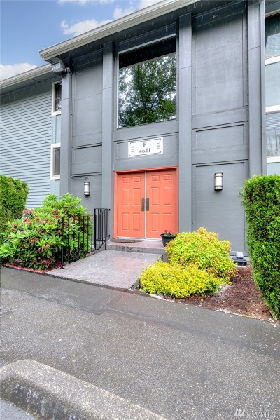 Issaquah Condo/Townhouse For Sale: 4641 W Lake Sammamish Pkwy SE #F302