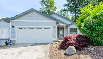 Steilacoom Condo/Townhouse For Sale: 1069 5th St
