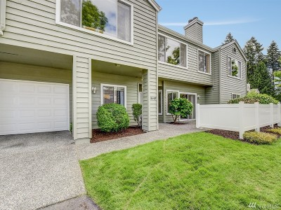 Issaquah Condo/Townhouse For Sale: 3640 224th Place SE
