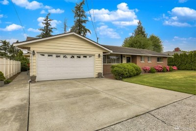 Skagit County Single Family Home For Sale: 1013 18th St