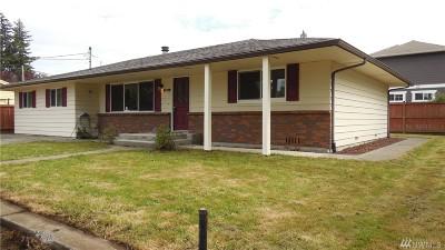 Everett Single Family Home For Sale: 910 Park Dr
