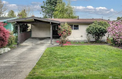 Seattle Single Family Home For Sale: 8440 37th Ave S