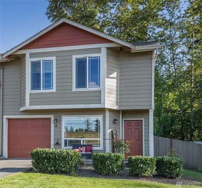Tacoma Condo/Townhouse For Sale: 1116 109th St E #5