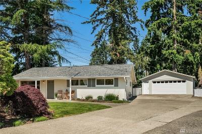 Renton Single Family Home For Sale: 3606 NE 23rd Ct