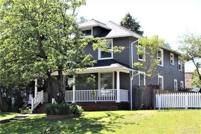 Everett Single Family Home For Sale: 2320 Oakes Ave
