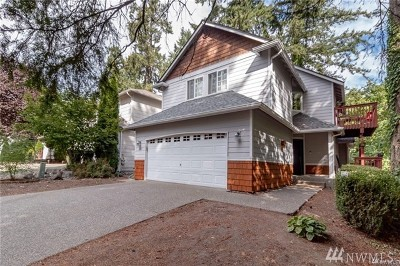 Lakewood Single Family Home For Sale: 10427 Whitman Ave SW
