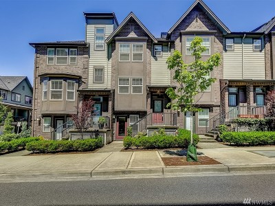 Issaquah Condo/Townhouse For Sale: 972 NE Discovery Dr #10.4