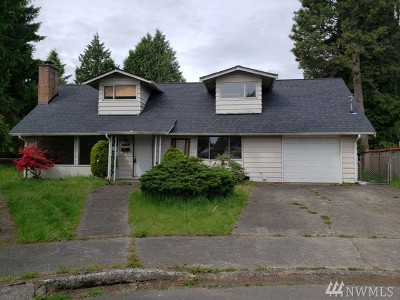 Seattle Single Family Home For Sale: 625 SW 121st St