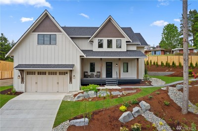 Pierce County Single Family Home For Sale: 5015 Maple Lane Cir NW
