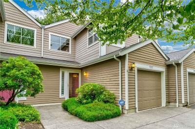Redmond Condo/Townhouse For Sale: 9237 158th Place NE #2803