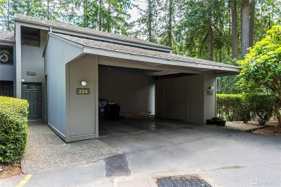 Redmond Condo/Townhouse For Sale: 6236 137th Place NE #225