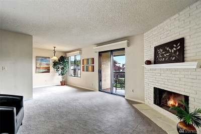 Kirkland Condo/Townhouse For Sale: 12423 NE 145th Place #B150