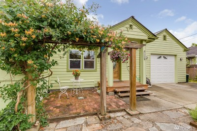 Everett Single Family Home For Sale: 7110 Jefferson Ave