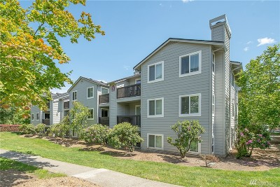 Kenmore Condo/Townhouse For Sale: 6700 NE 182nd St #B202