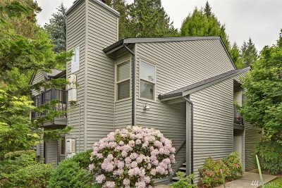 Redmond Condo/Townhouse For Sale: 9805 Avondale Rd NE #T254