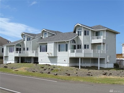 Grays Harbor County Condo/Townhouse For Sale: 1499 Diamond Head Ave SW #1