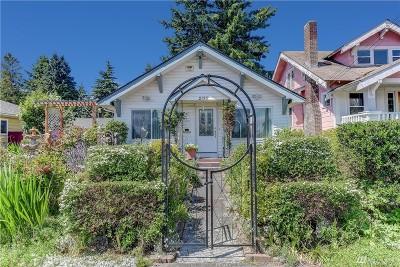 Everett Single Family Home For Sale: 2126 Cedar St