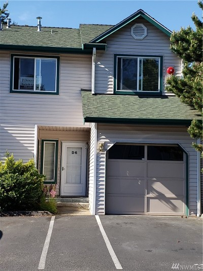 Lynnwood Condo/Townhouse For Sale: 15815 Admiralty Wy #D6