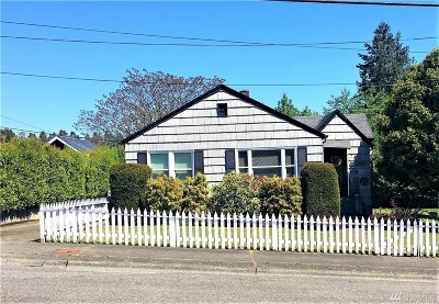 Bremerton Single Family Home For Sale: 1122 Ironsides Ave